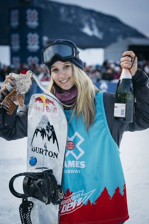 Anna-Gasser-X-Games-Norway-Big-Air-2017-Medal-©-Emil-Sollie-RedBull